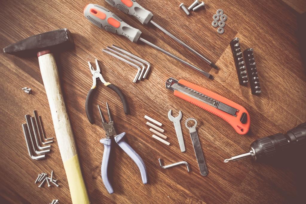 real-mens-tools-picjumbo-com